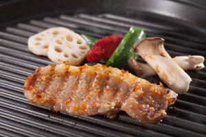 写真:黒豚味噌漬けの調理イメージ